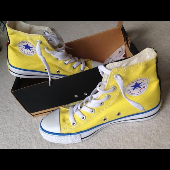 Nwt Converse Jamaican Edition Yellow